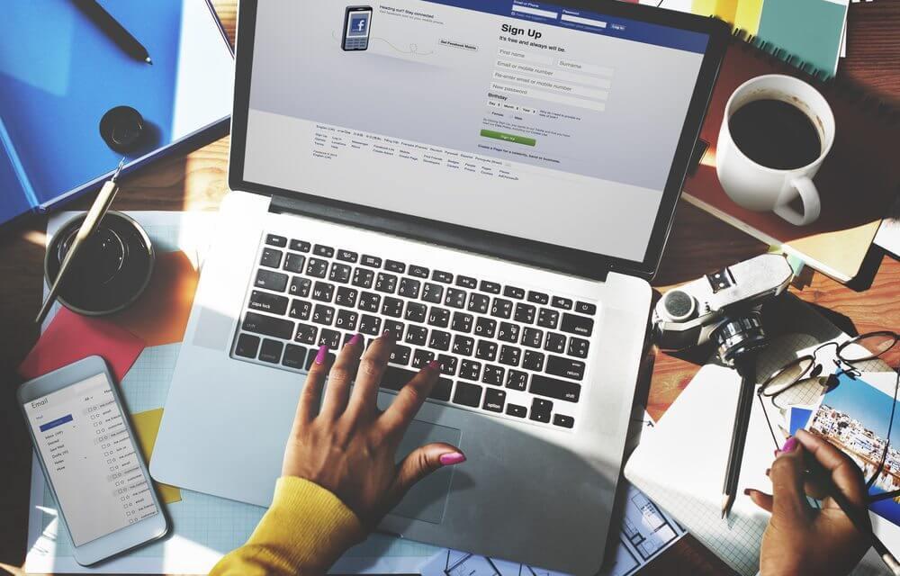 facebook redonne la priorité aux amis