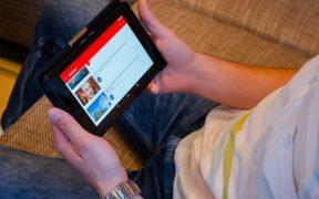Comment utiliser YouTube en arrière-plan avec Android ?